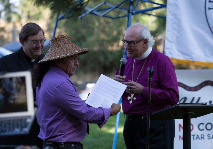 Bishops present letter to JJames